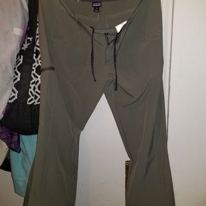 Light Weight Patagonia Capris